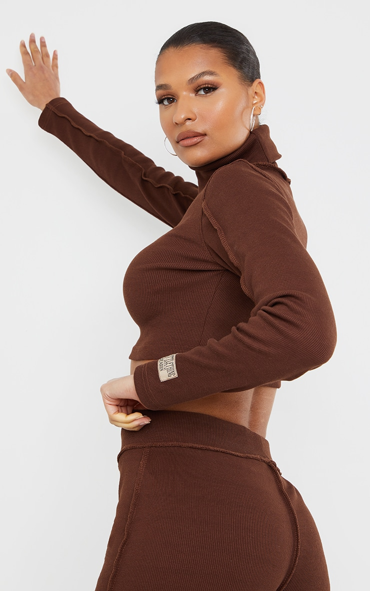 PRETTYLITTLETHING Chocolate Brown Badge Structured Rib High Neck Long Sleeve Crop Top 2
