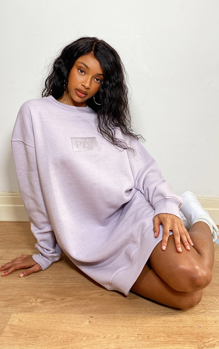 PRETTYLITTLETHING Lilac Tonal Embroidered Sweat Jumper Dress 3