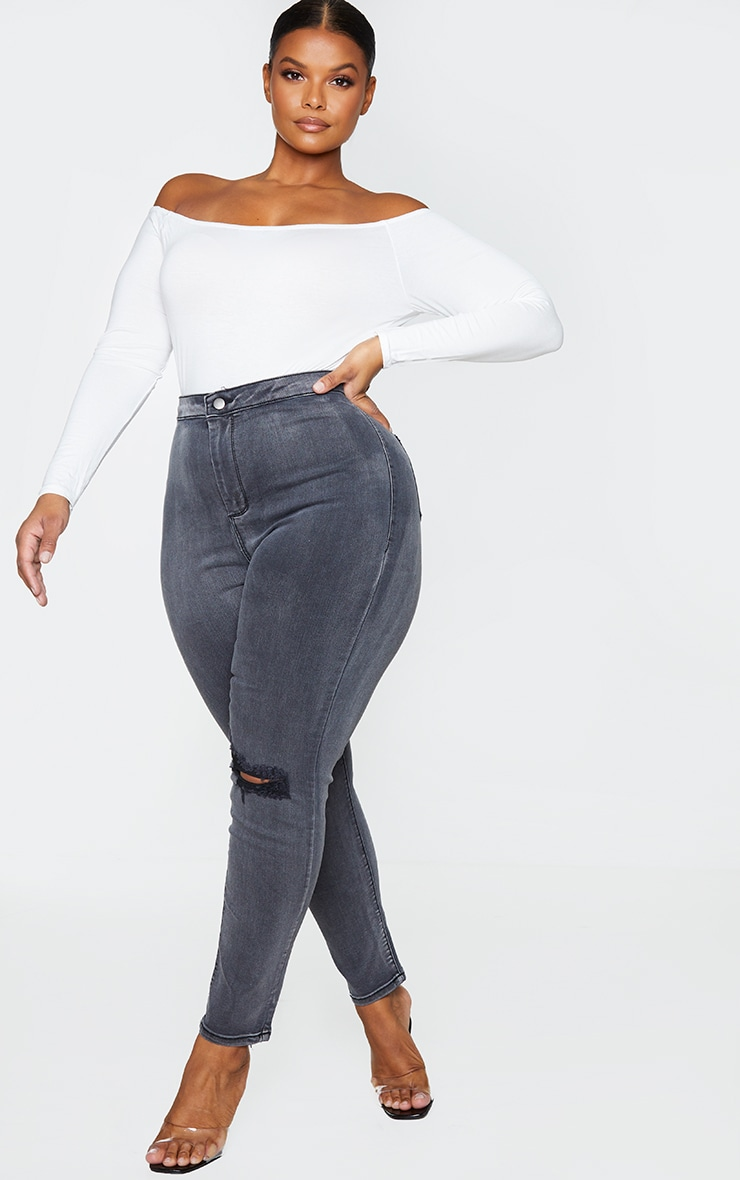 PRETTYLITTLETHING Plus Washed Black Knee Rip Disco Skinny Jeans 1