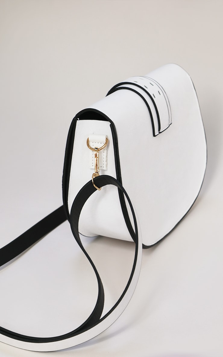 White Western Buckle Saddle Cross Body Bag 3