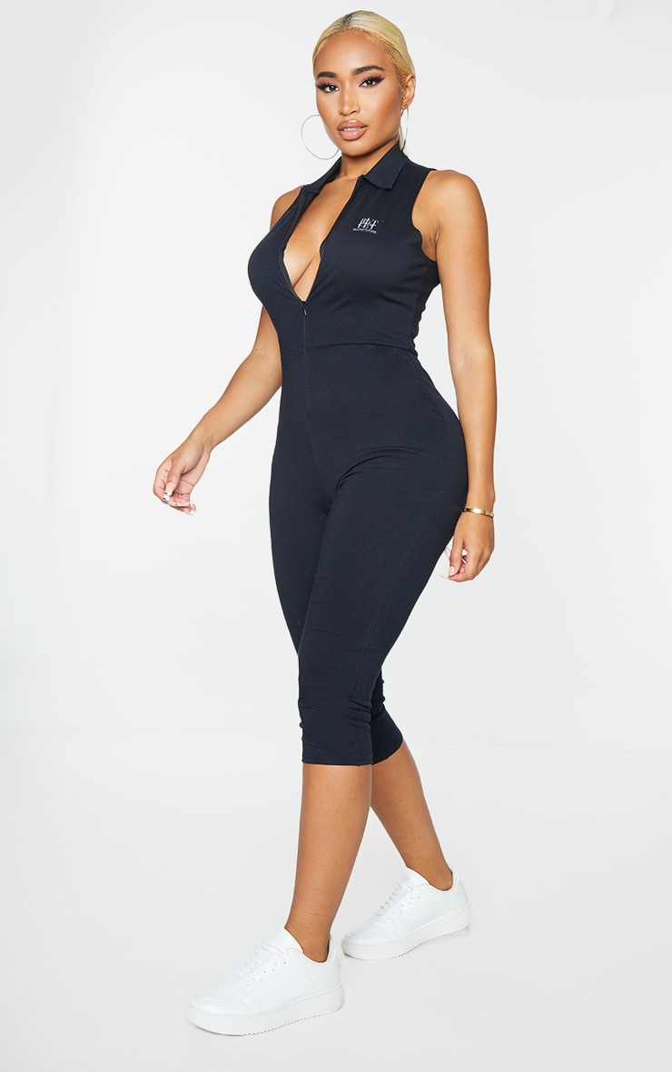 PRETTYLITTLETHING Shape Black Badge Ruched Bum Cropped Jumpsuit 3