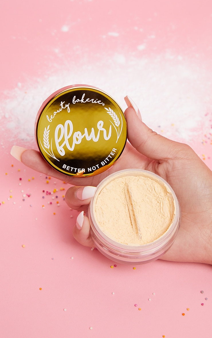Beauty Bakerie Setting Powder Yellow Flour 1