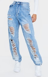 PRETTYLITTLETHING Light Wash Ripped Boyfriend Jeans 2