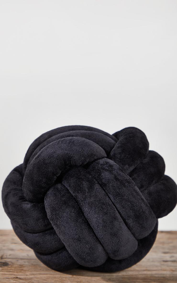 Black Knot Cushion 4