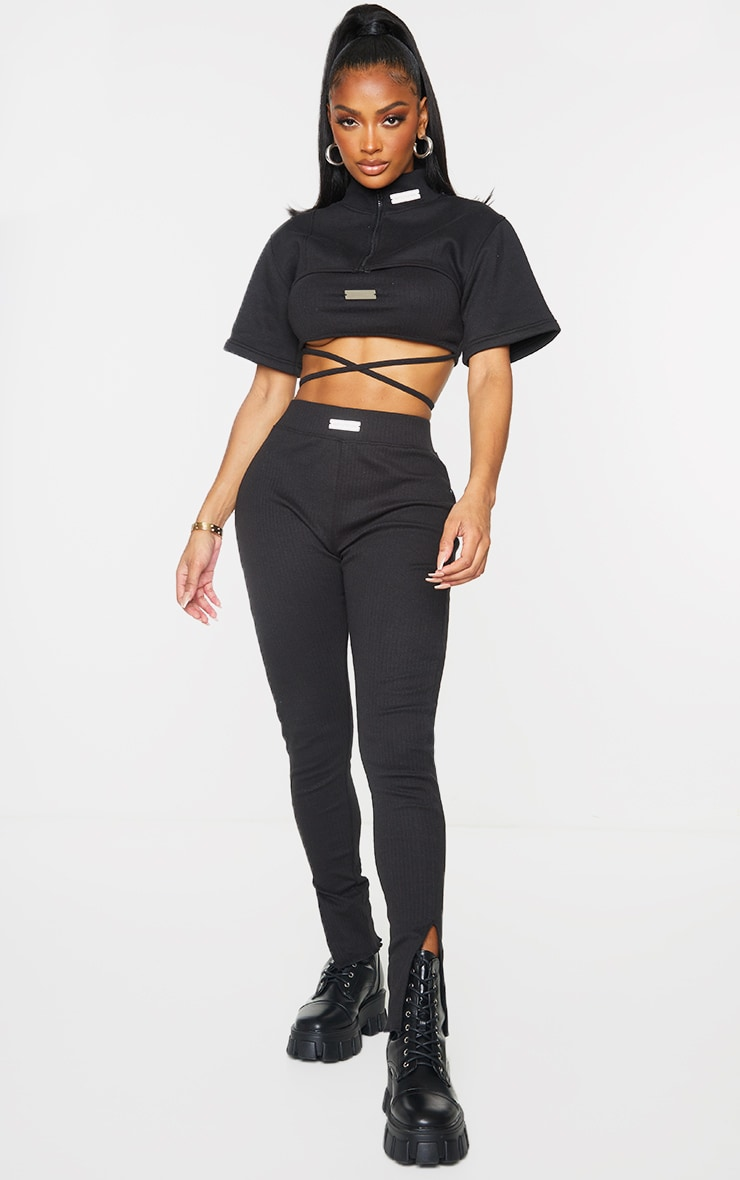 PRETTYLITTLETHING Shape Black Badge Detail Cropped Sweater 2