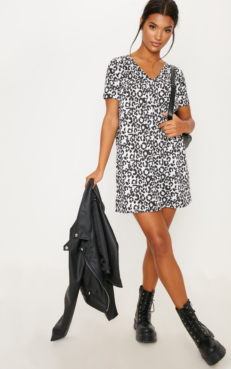 Grey Leopard Print Short Sleeve Smock Dress 3