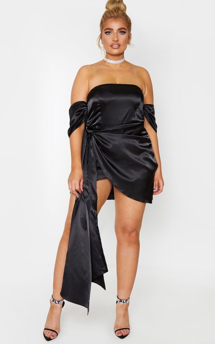 Plus Black Satin Ruched Detail Bodycon Dress 1