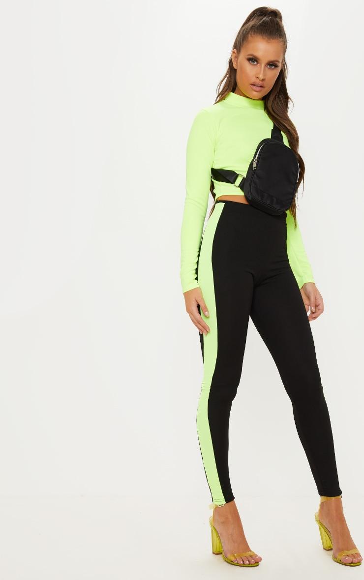 Black Contrast Side Stripe Legging by Prettylittlething