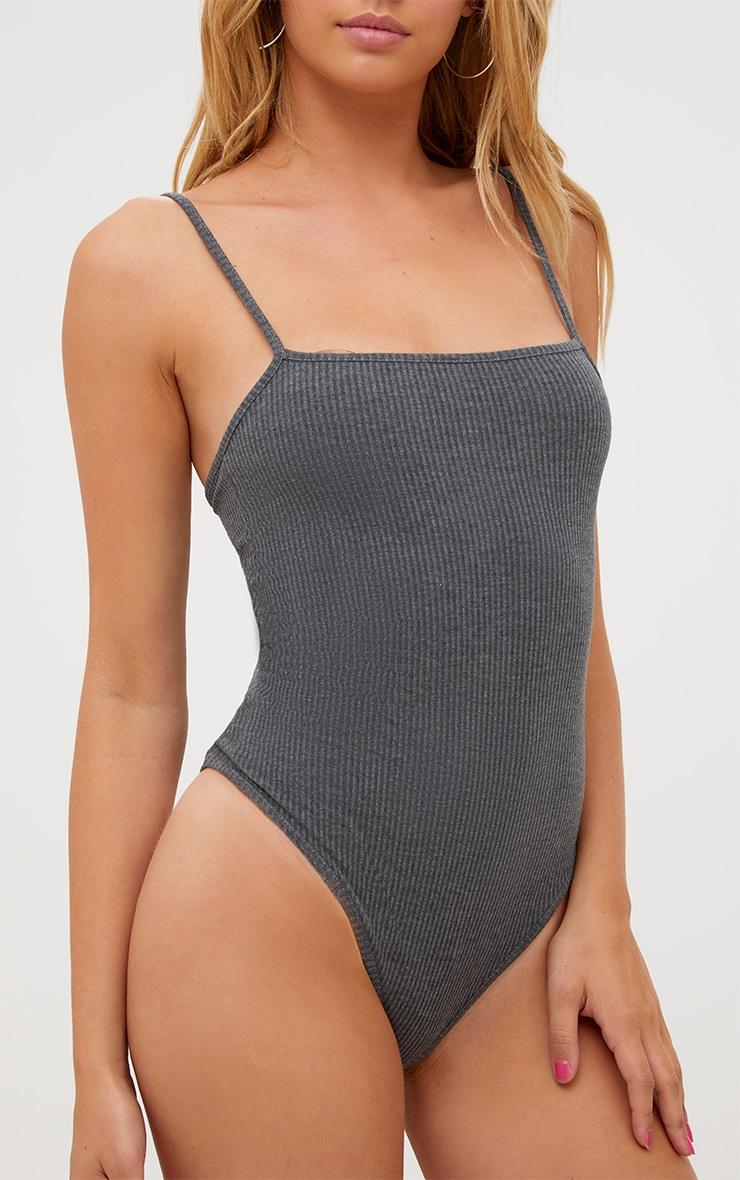 Body-string côtelé gris à col carré 6