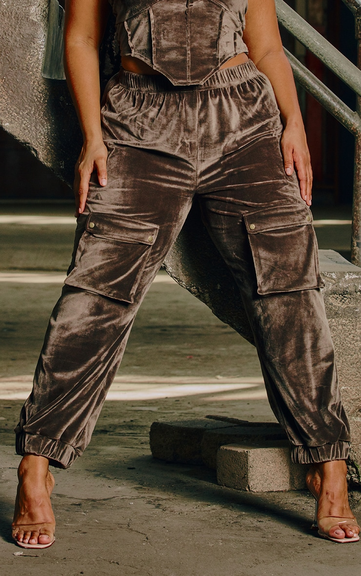 Plus Mocha Velour Pocket Detail Joggers 2