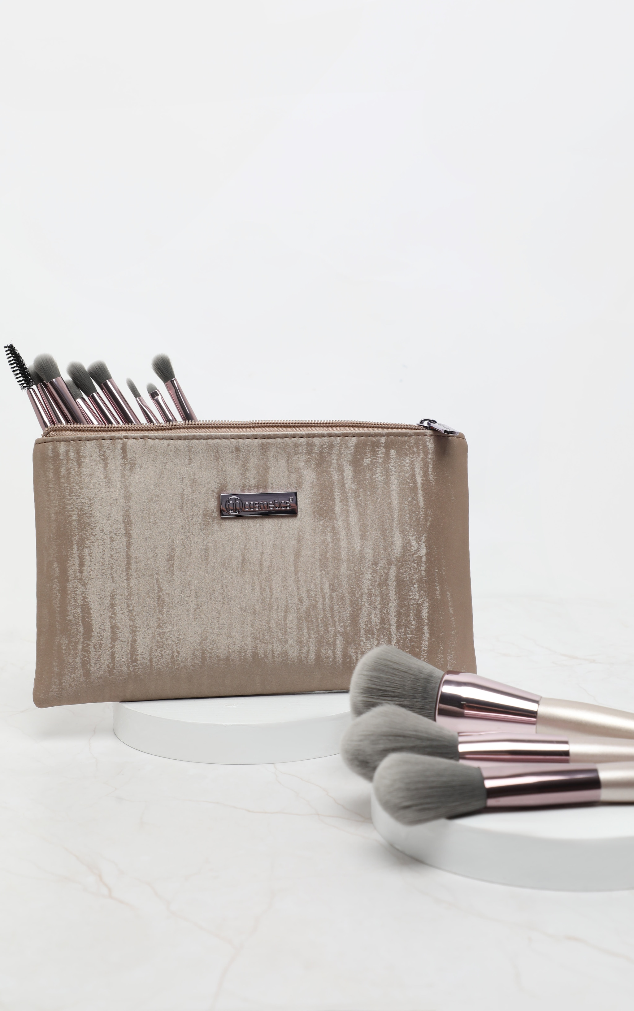 BH Cosmetics Lavish Elegance 15 Piece Brush Set with Bag 2