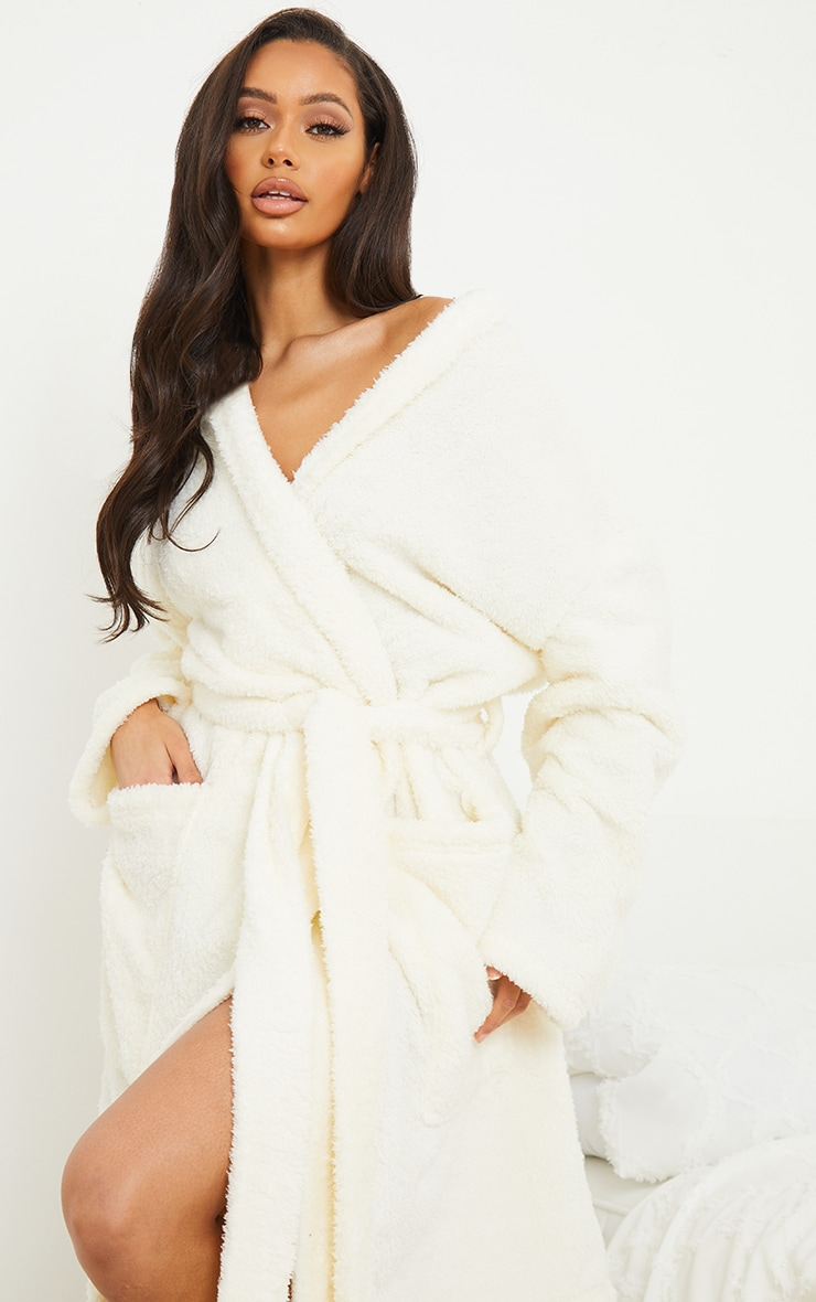 White Oversized Fluffy Dressing Gown 4