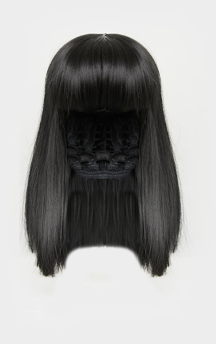 La Bello Beauty 12 Black Synthetic Wig Iskaba Bob 4