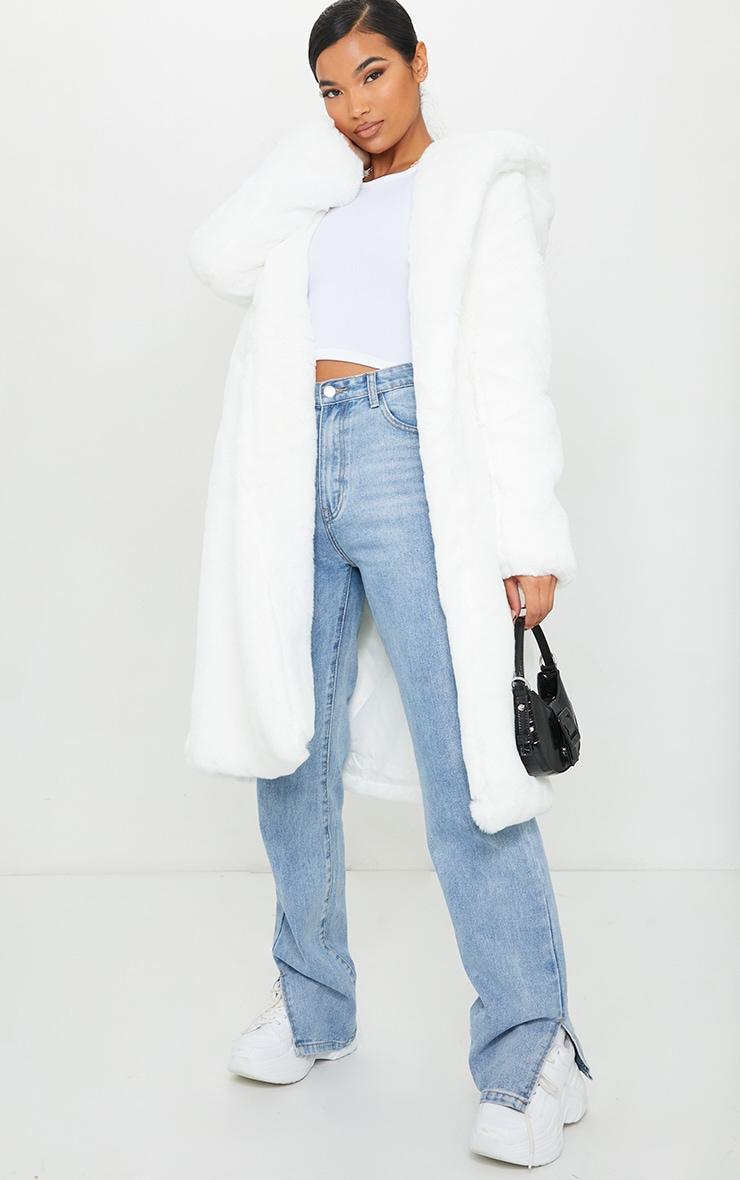 Manteau long à capuche en fausse fourrure deluxe blanche  1