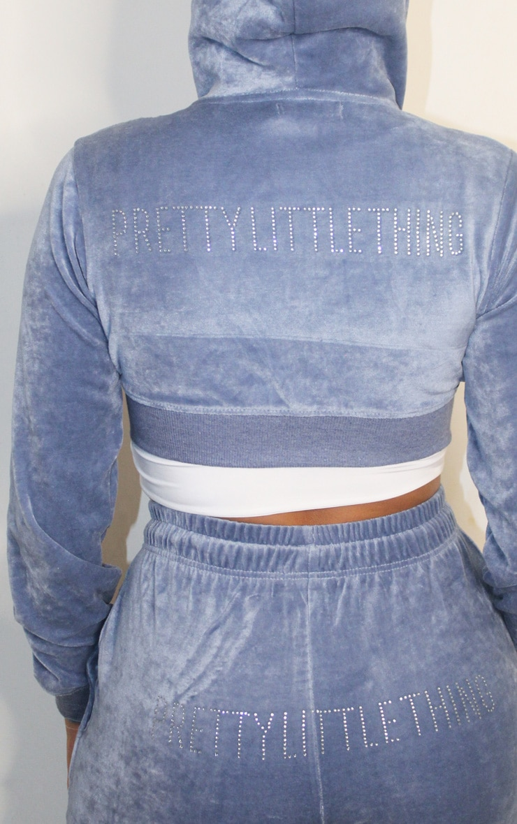 PRETTYLITTLETHING Shape Dusty Blue Velour Extreme Crop Sweater 4