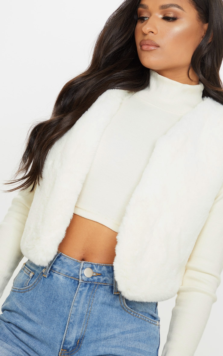 Cream Faux Fux Crop Gilet 5