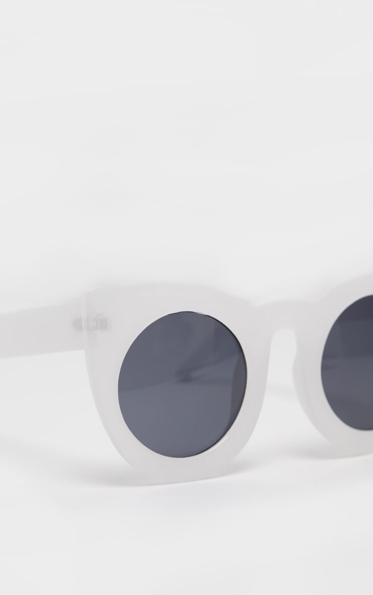 White Oversized Resin Cat Eye Sunglasses 3