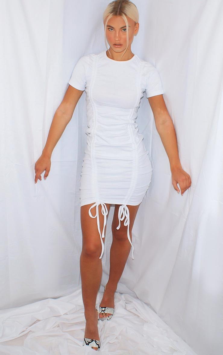 Robe moulante blanche très côtelée & froncée devant à manches courtes 3