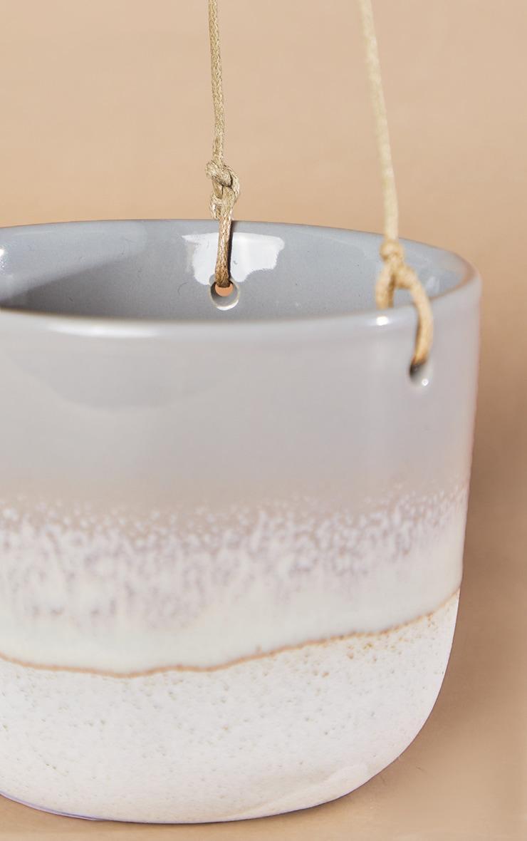 Pot en céramique mojave gris pour plante tombante 4
