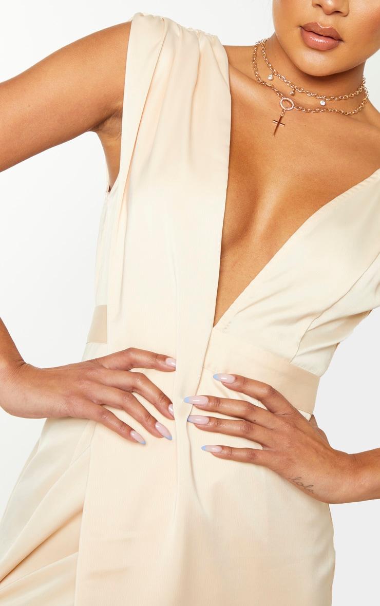 Robe longue champagne asymétrique à détails drapés 5