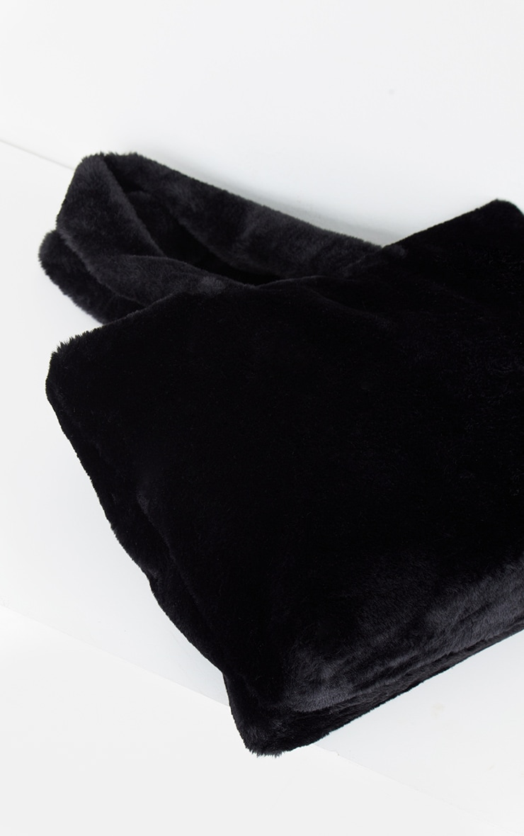 Black Oversized Fur Tote Bag 3