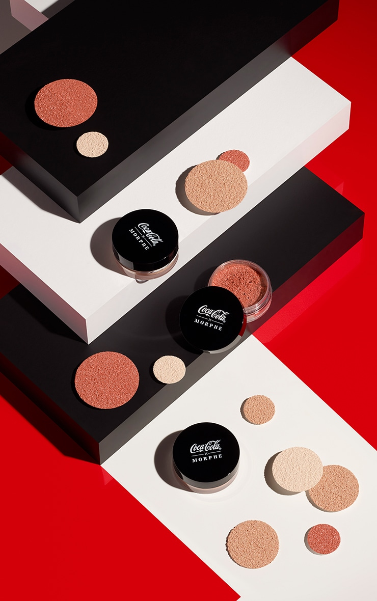 Coca-Cola X Morphe Glowing Places Loose Highlighter Serve Sparkling 4