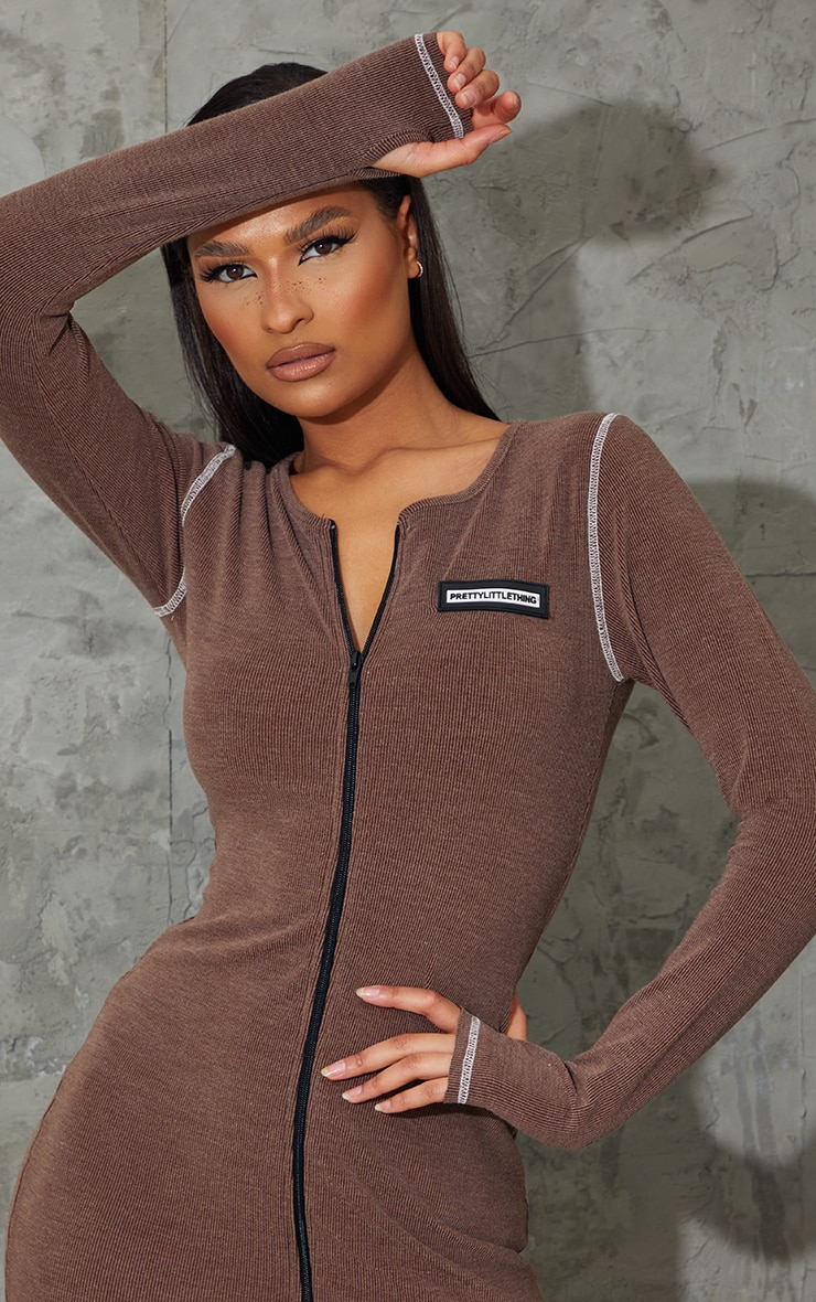 PRETTYLITTLETHING Brown Washed Rib Zip Through Thumb Hole Bodycon Dress 4