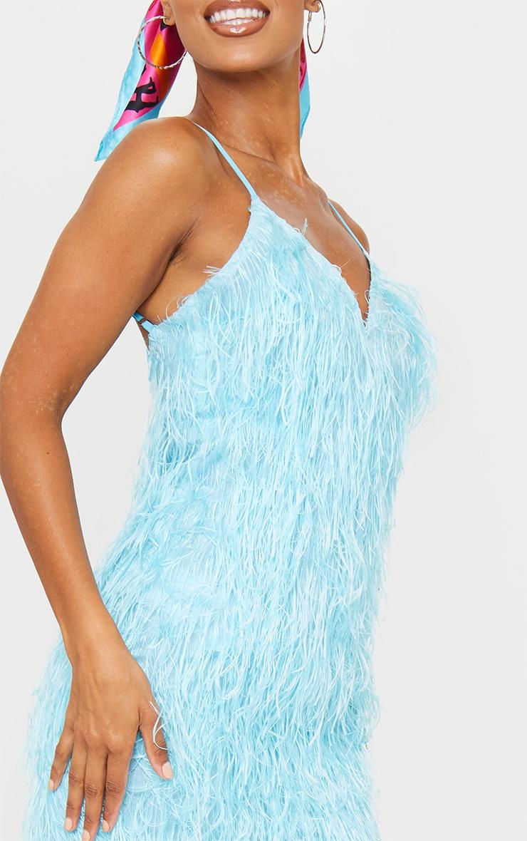 Robe moulante frangé bleue à décolleté et bretelles 4