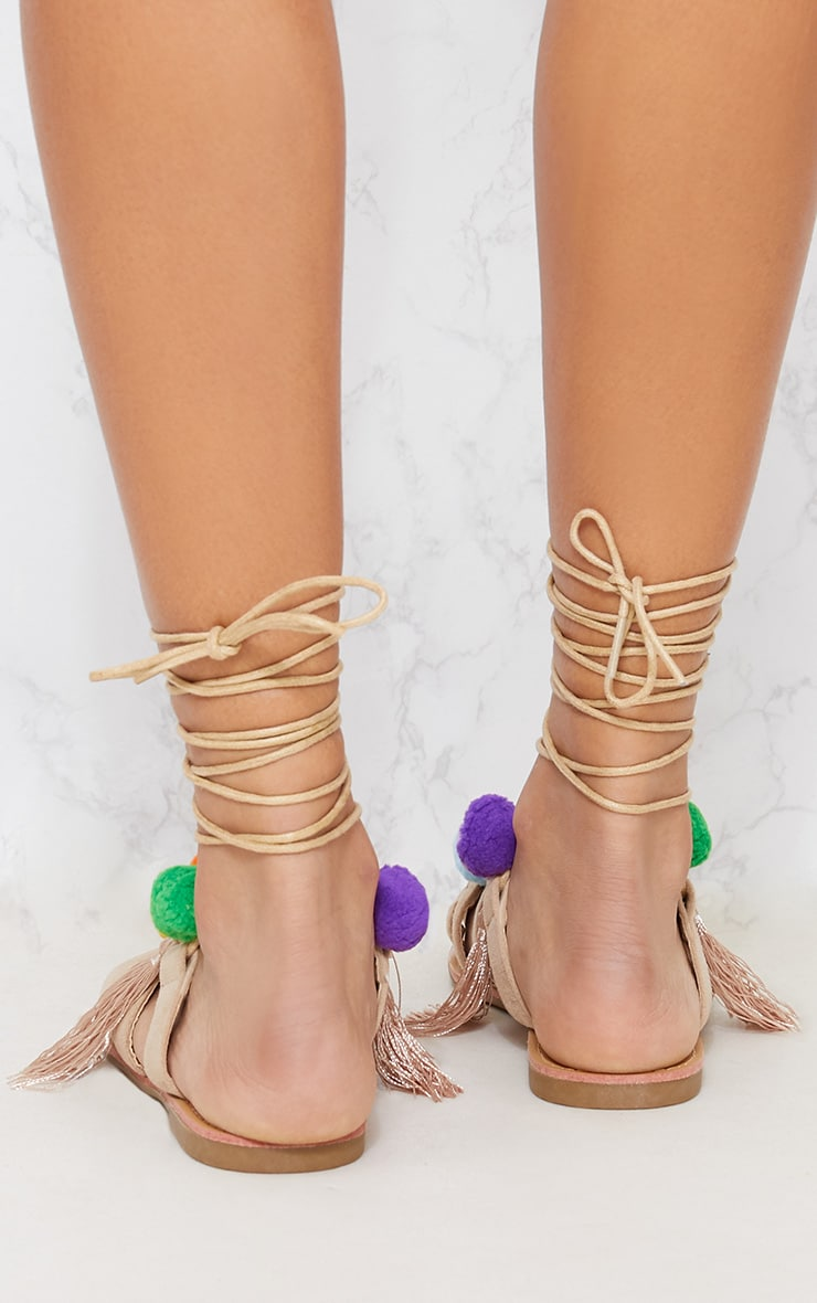 Sandales ghillie nude multi pompons chaussures - Sandales a pompons ...