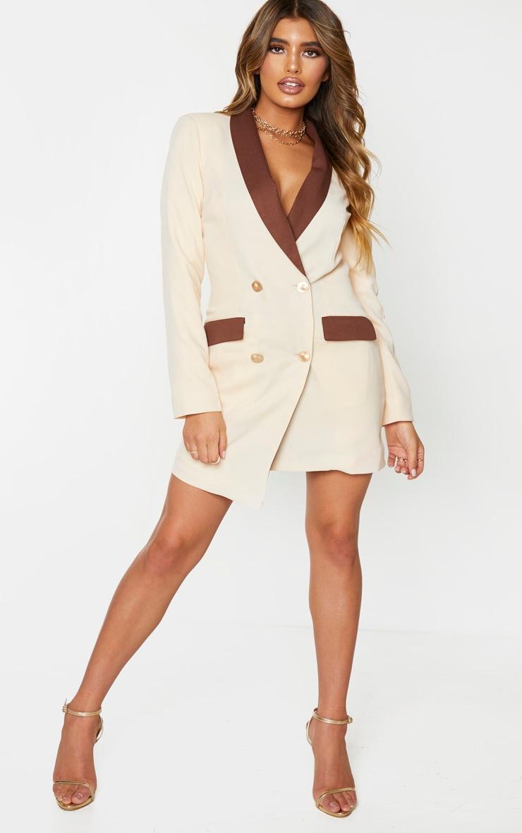 Robe blazer crème à boutons dorés et parties contrastées 1