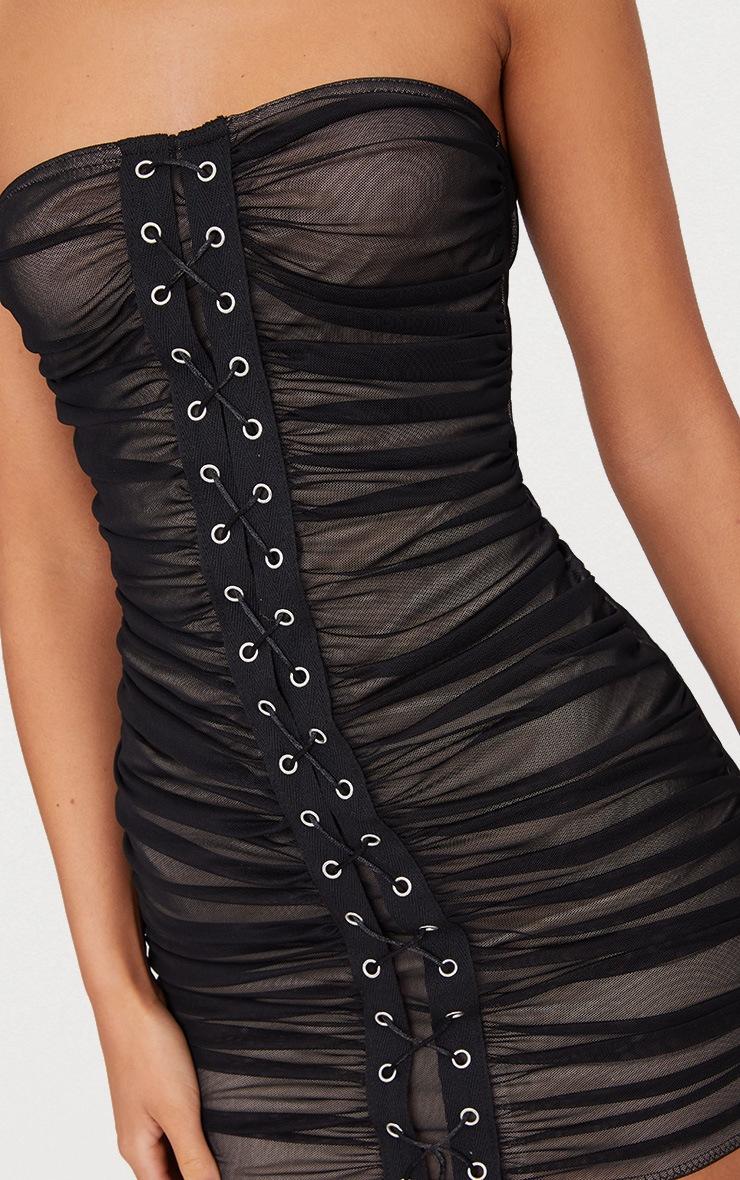 Robe bandeau moulante noire en mesh froncée avec oeillets 5