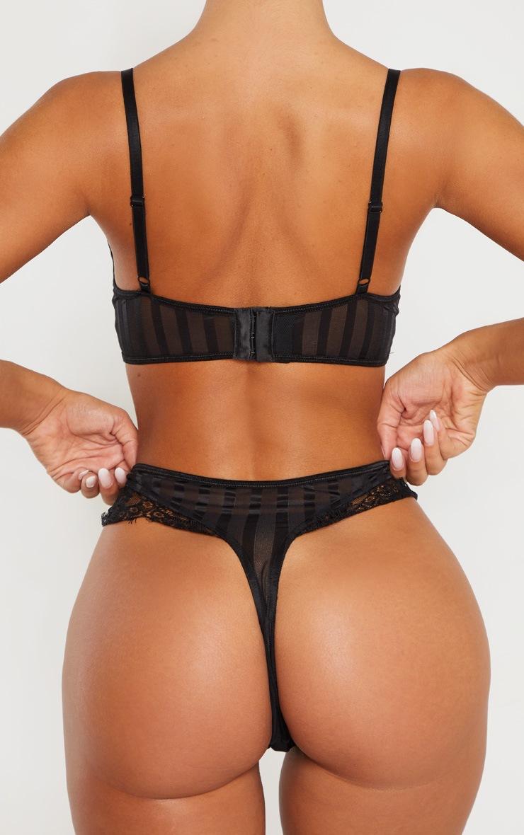 String taille haute noir à rayures et dentelle 4