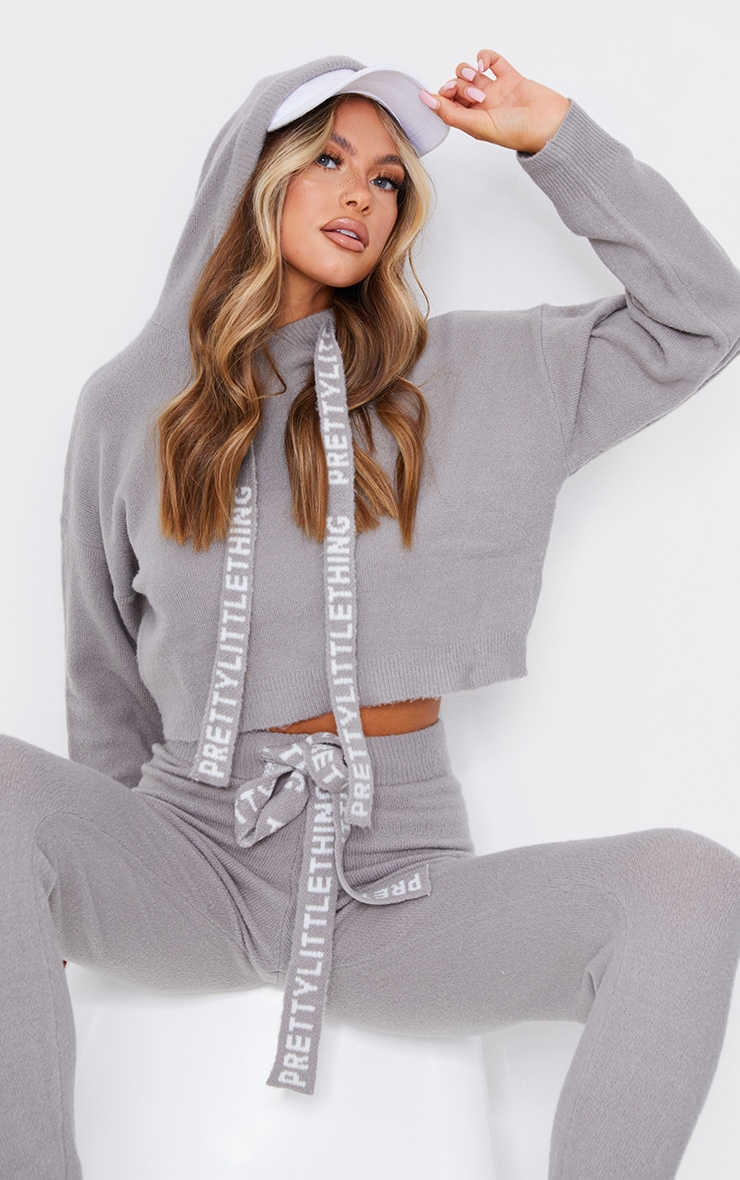 PRETTYLITTLETHING Grey Soft Cropped Knitted Sweater 3
