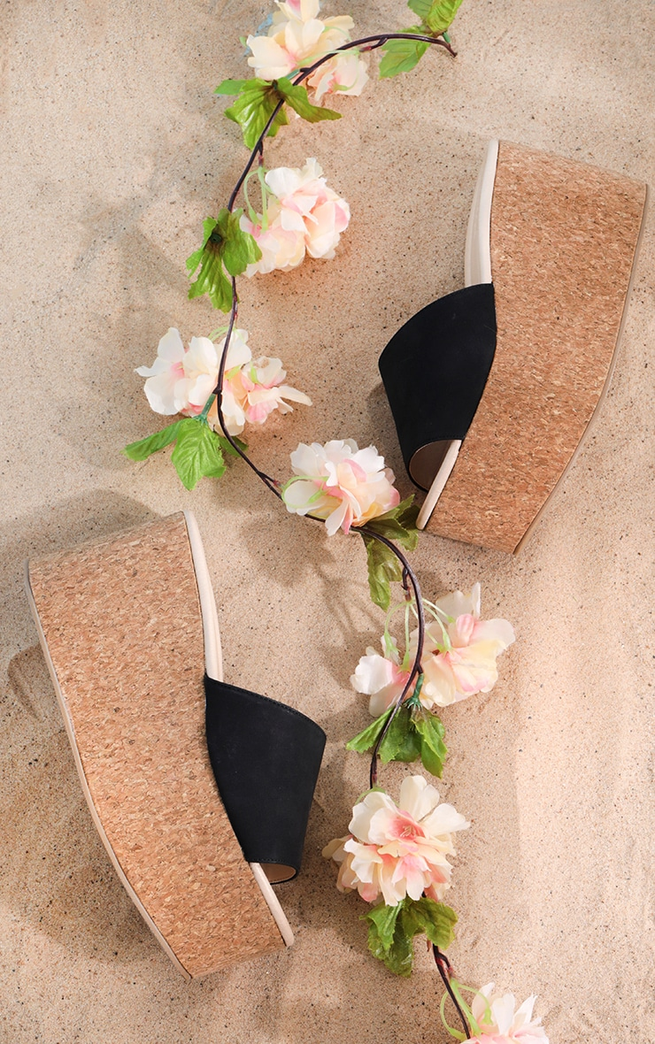 Sandales style espadrilles noires à très grosse semelle  1