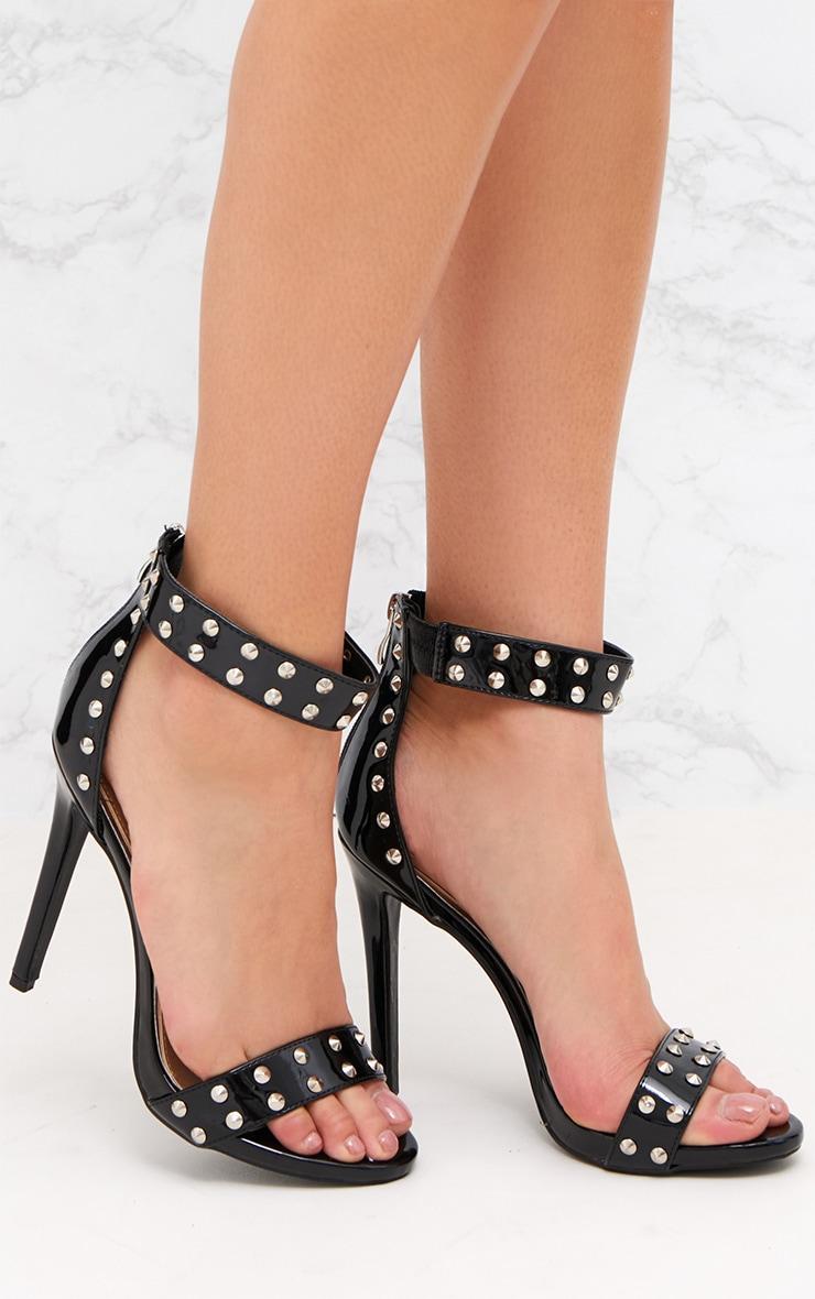 Sandales à bride noires à clous 1