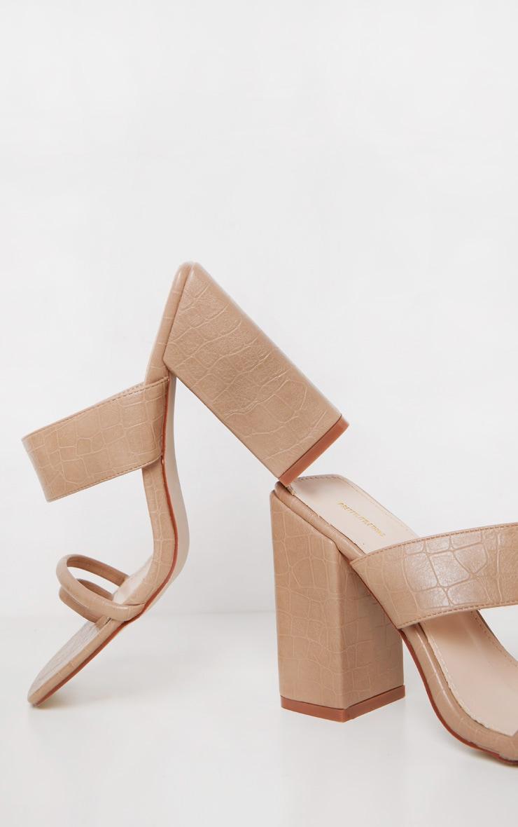 Sandales nude à bride orteil et gros talon chunky 3
