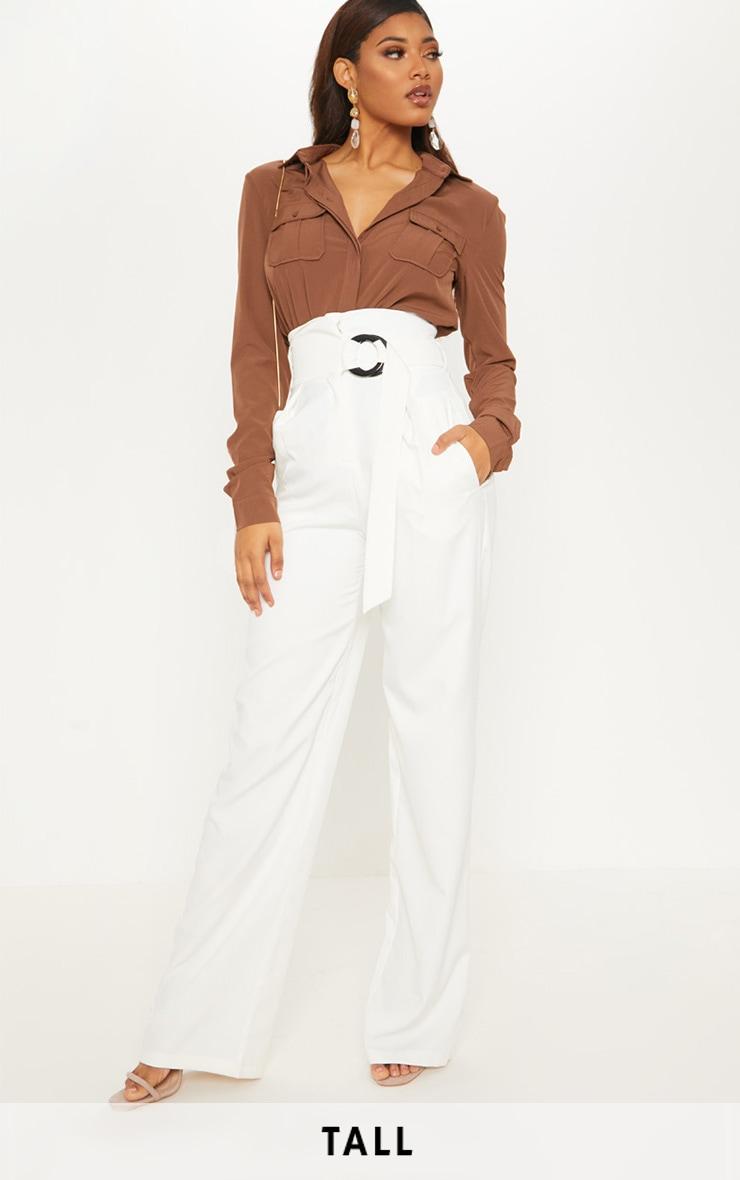 2166a088170f Tall - Pantalon évasé crème à ceinture. Tall   PrettyLittleThing FR