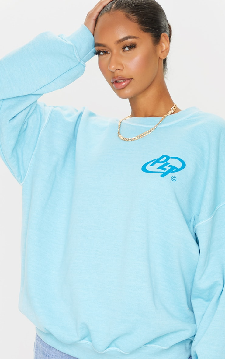 PRETTYLITTLETHING Blue Logo Washed Sweatshirt 4