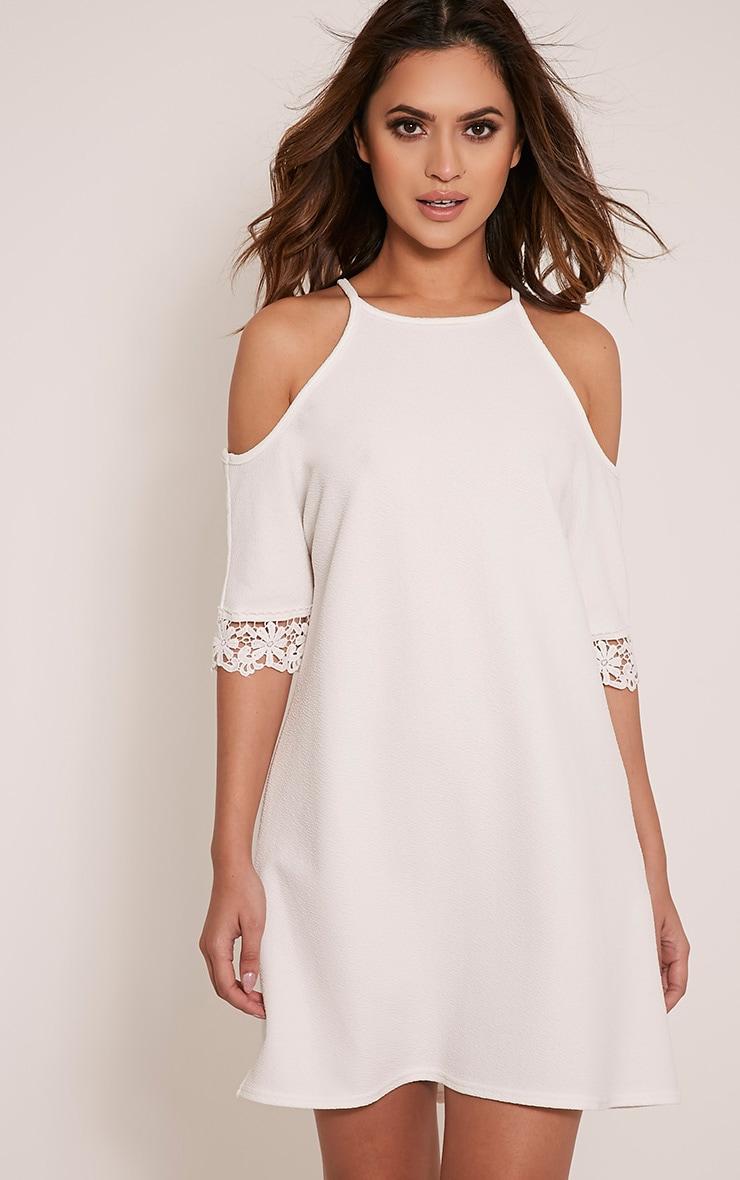 Christie robe en dentelle épaules dénudées blanche 1