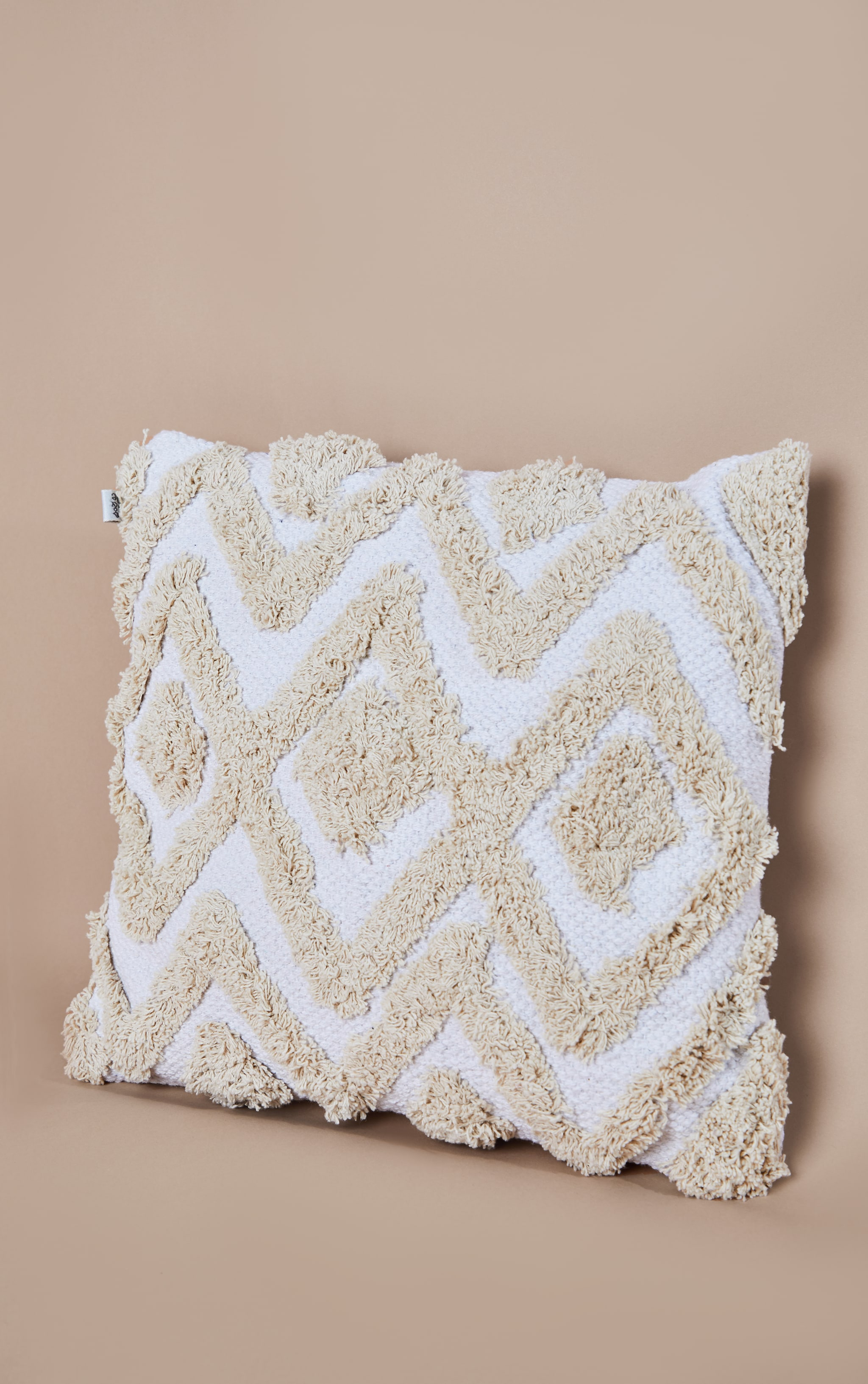 Blanca Tufted Diamond Cushion 3