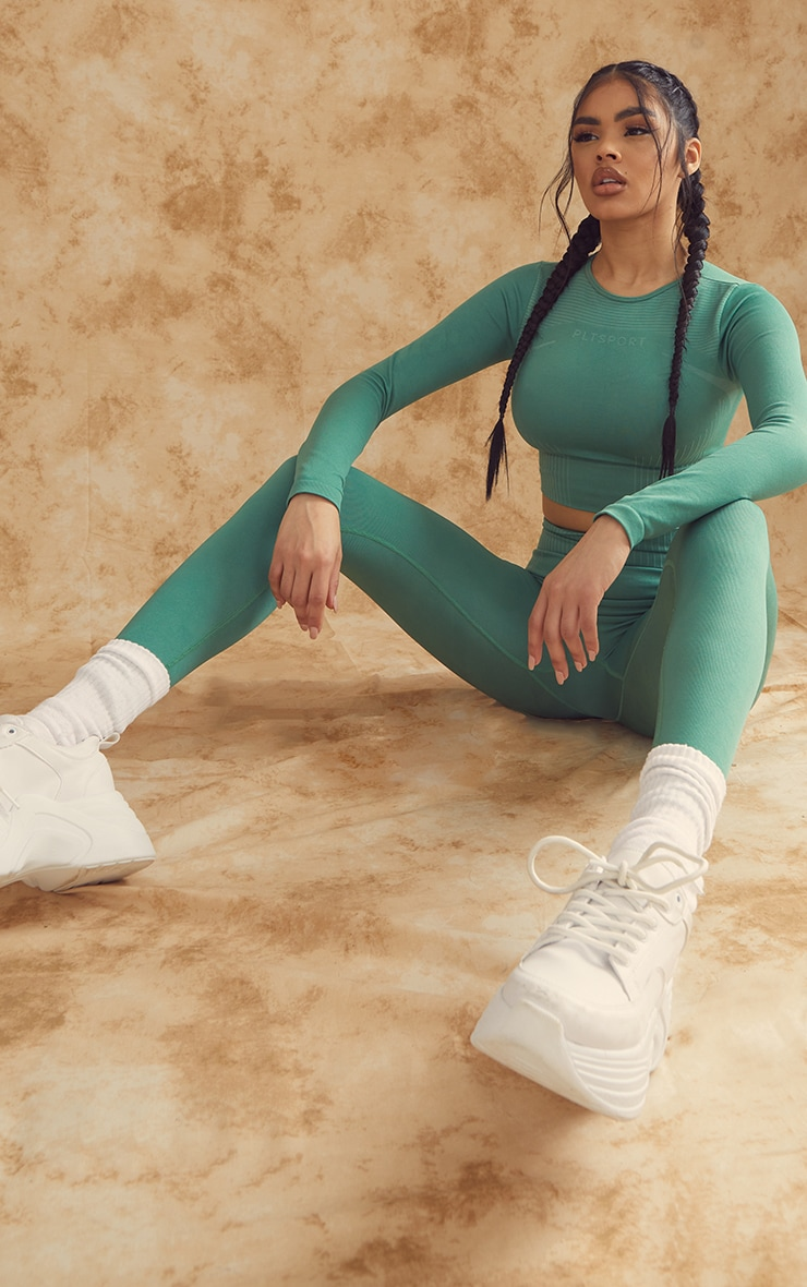 PRETTYLITTLETHING Green Contour Seamless Long Sleeve Gym Top 3