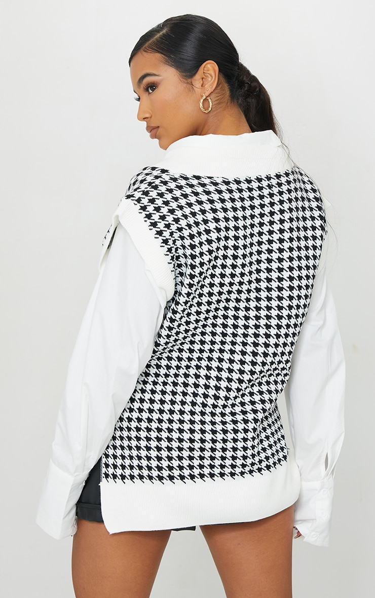 Monochrome Dogstooth V Neck Knitted Side Split Vest 2