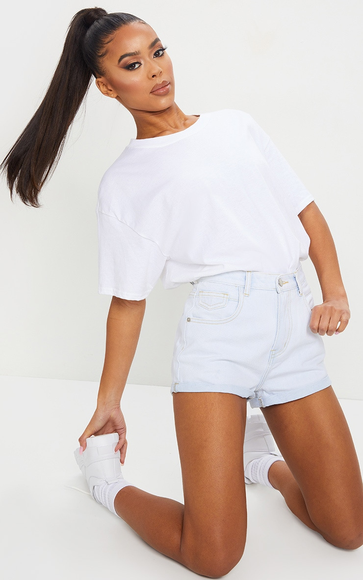 PRETTYLITTLETHING Bleach Wash Turn Up Hem Denim Hot Pants 3