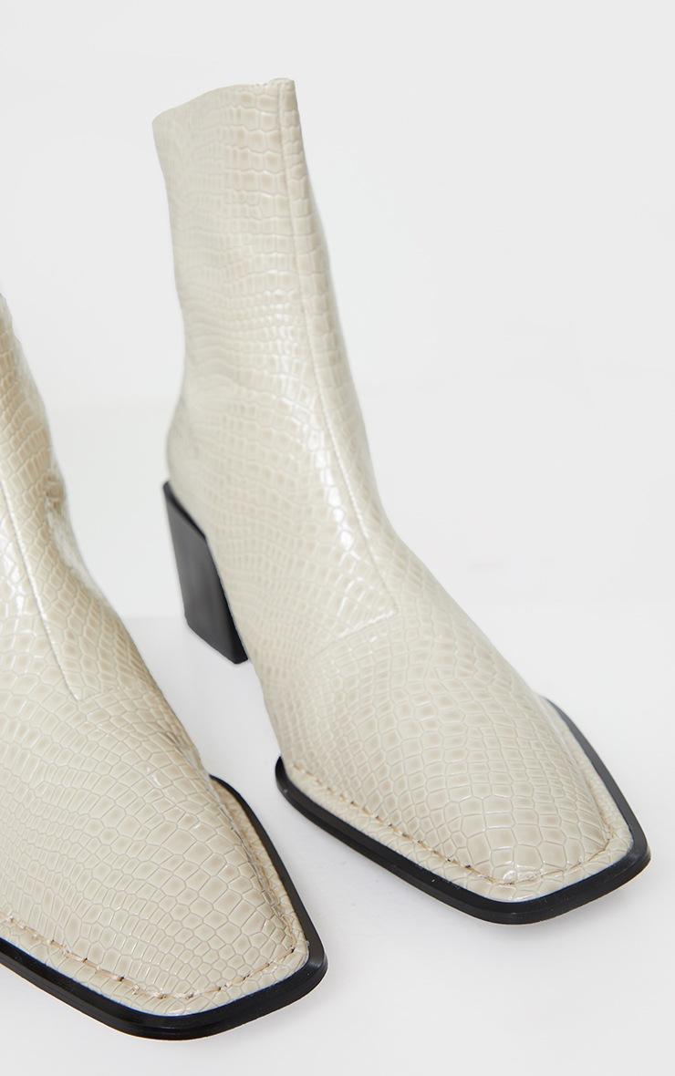 Bottines pointues en similicuir serpent crème à talon bloc bas 5