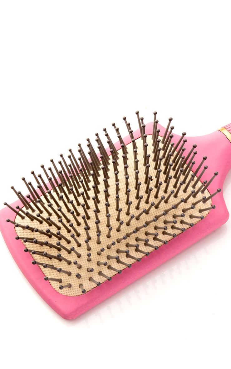 Naomi Chantelle Exclusive Gold Plated Comb and Paddle Brush (Worth £20.00) 4
