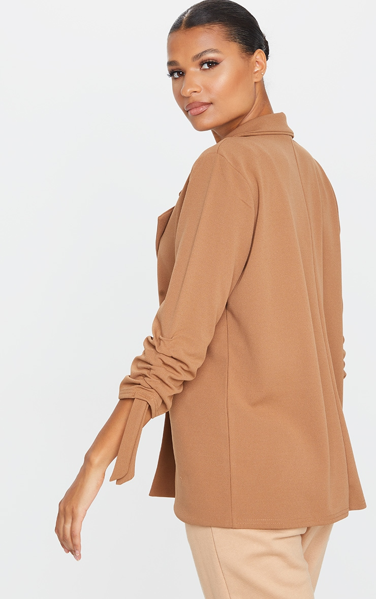 Blazer camel à manches froncées 2