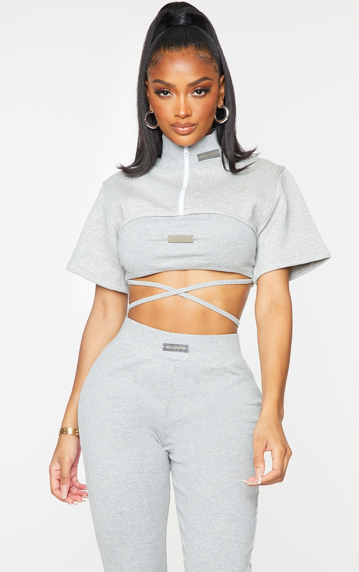 PRETTYLITTLETHING Shape Grey Badge Detail Cropped Sweater 1