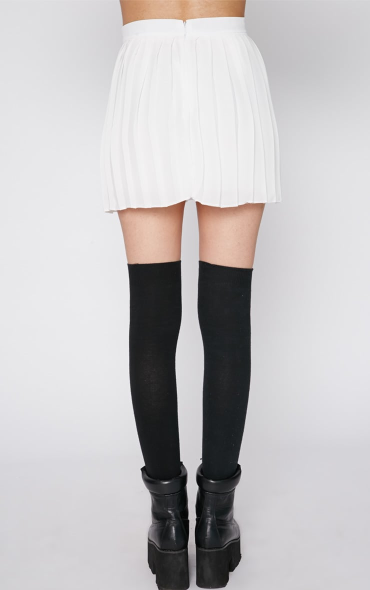 Sinopa White Pleated Mini Skirt 2
