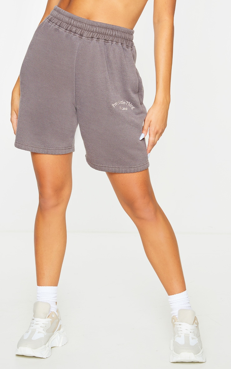 PRETTYLITTLETHING Brown Washed Sweat Shorts 2