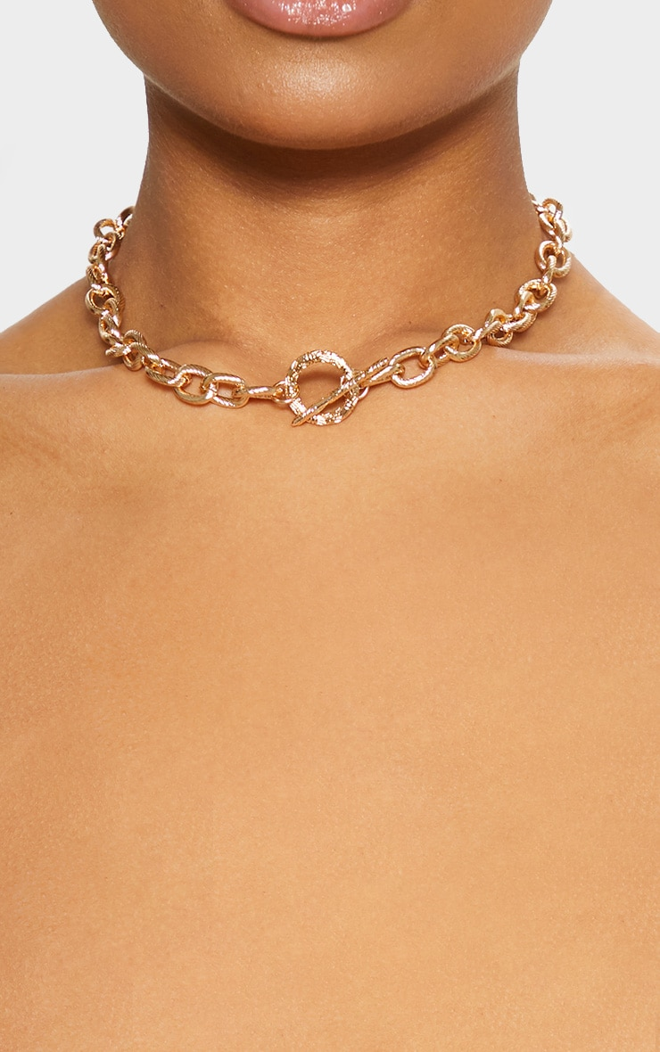 Gold Ornate Textured T Bar Necklace 2